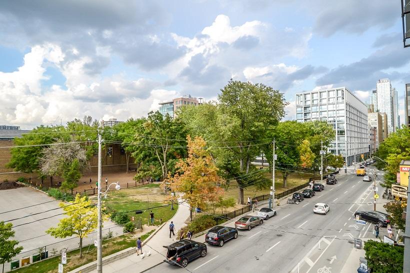 414 – 10 Morrison Street