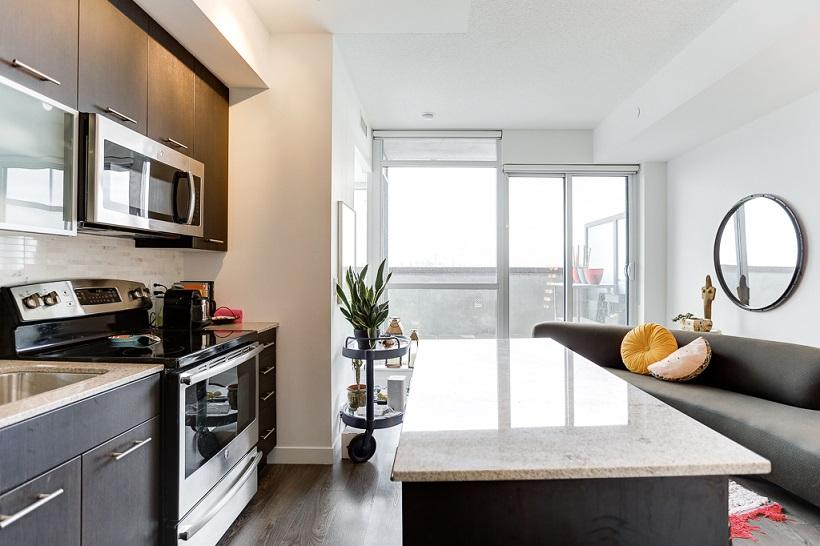 512-2055 Danforth Avenue