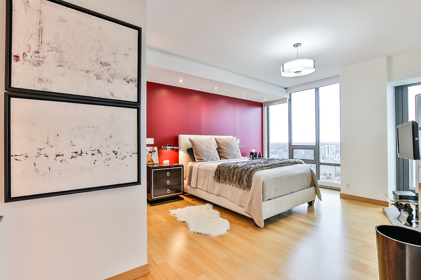 3904 – 33 Lombard Street